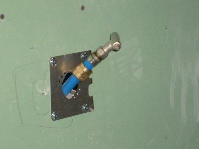 Montage du raccord au bout du tube per l 39 aide la cl retigripp ma - Diametre tuyau arrivee eau ...